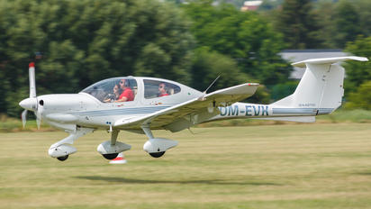 OM-EVK - Private Diamond DA 40 Diamond Star