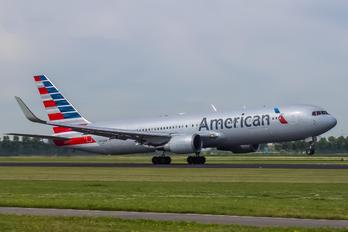 N383AN - American Airlines Boeing 767-300