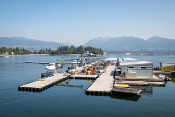 - - Harbour Air de Havilland Canada DHC-3 Otter