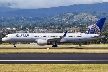 N34137 - United Airlines Boeing 757-200WL