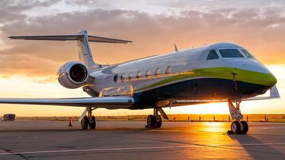 N80AD - Private Gulfstream Aerospace G-V, G-V-SP, G500, G550