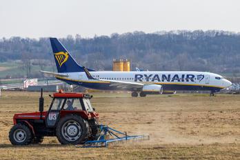 EI-FRC - Ryanair Boeing 737-800