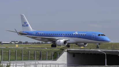 PH-EZM - KLM Cityhopper Embraer ERJ-190 (190-100)