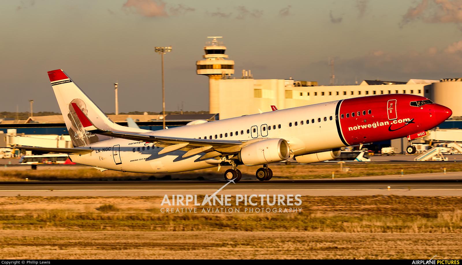 Norwegian Air Shuttle LN-NGC aircraft at Palma de Mallorca