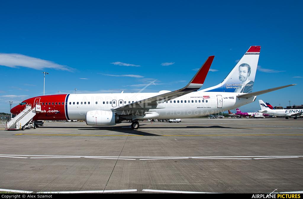 Norwegian Air Shuttle LN-NIG aircraft at Edinburgh