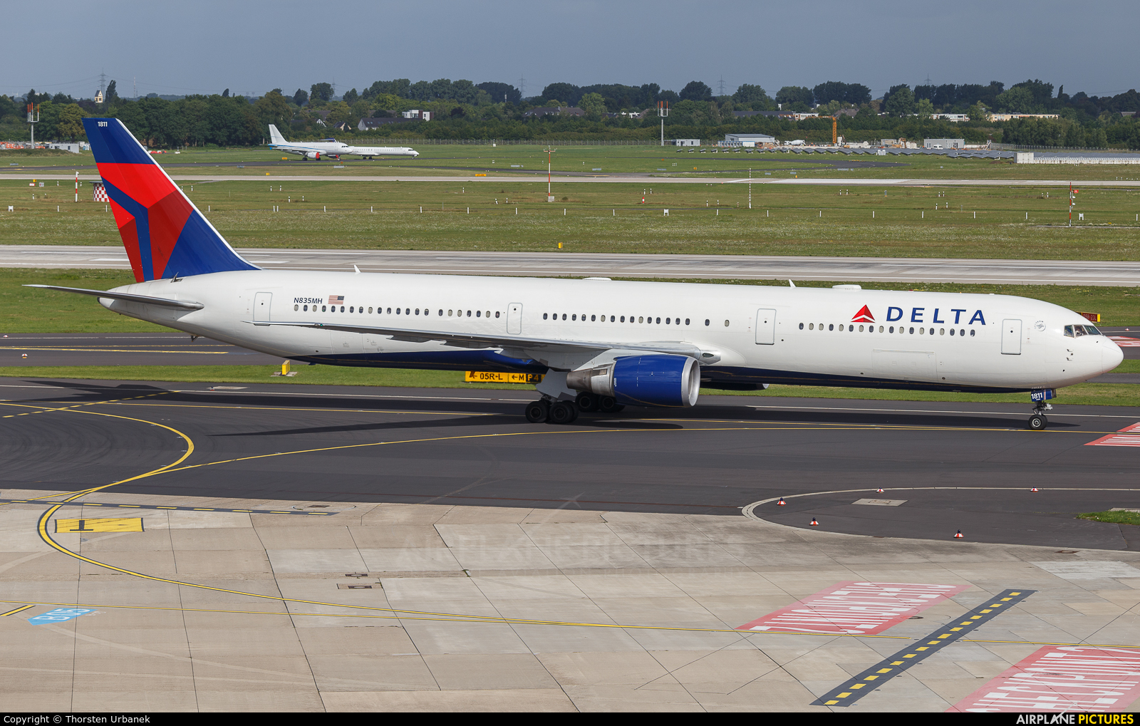 Delta Air Lines N835MH aircraft at Düsseldorf