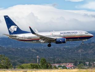 N908AM - Aeromexico Boeing 737-700