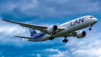 CC-BGI - LATAM Boeing 787-9 Dreamliner