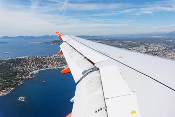 G-EZWE - easyJet Airbus A320