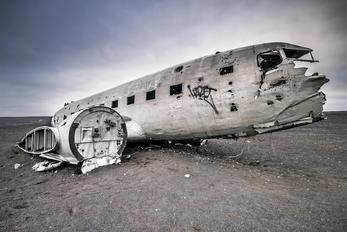 17171 - USA - Navy Douglas DC-3