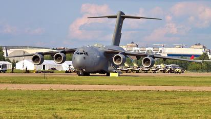 1227 - United Arab Emirates - Air Force Boeing C-17A Globemaster III
