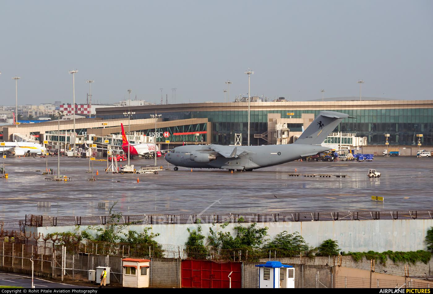 Australia - Air Force  aircraft at Mumbai - Chhatrapati Shivaji Intl