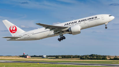 JA709J - JAL - Japan Airlines Boeing 777-200ER