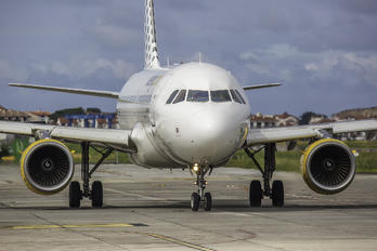 EC-MGF - Vueling Airlines Airbus A319