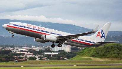 N864NN - American Airlines Boeing 737-800
