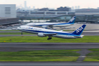 JA8578 - ANA - All Nippon Airways Boeing 767-200