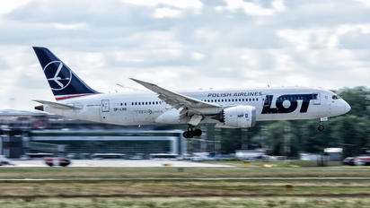 SP-LRD - LOT - Polish Airlines Boeing 787-8 Dreamliner