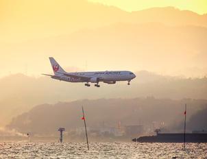 JA659J - JAL - Japan Airlines Boeing 767-300ER