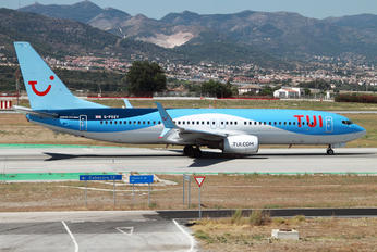 G-FDZY - TUI Airlines UK Boeing 737-800