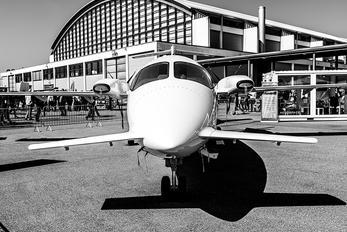 HB-LYA - Private Piaggio P.180 Avanti I & II