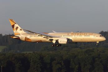 A6-BLA - Etihad Airways Boeing 787-9 Dreamliner