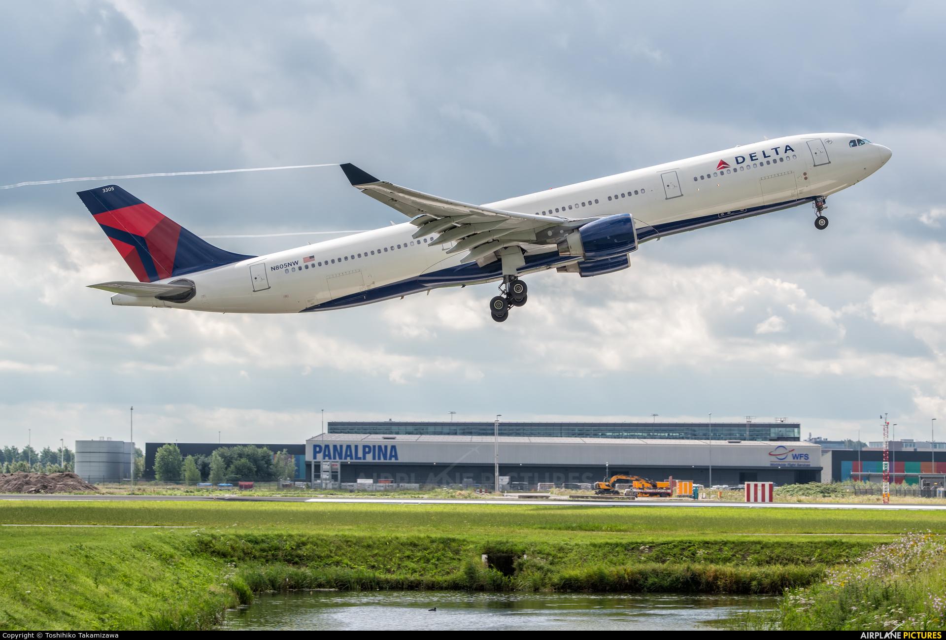 Delta Air Lines N805NW aircraft at Amsterdam - Schiphol
