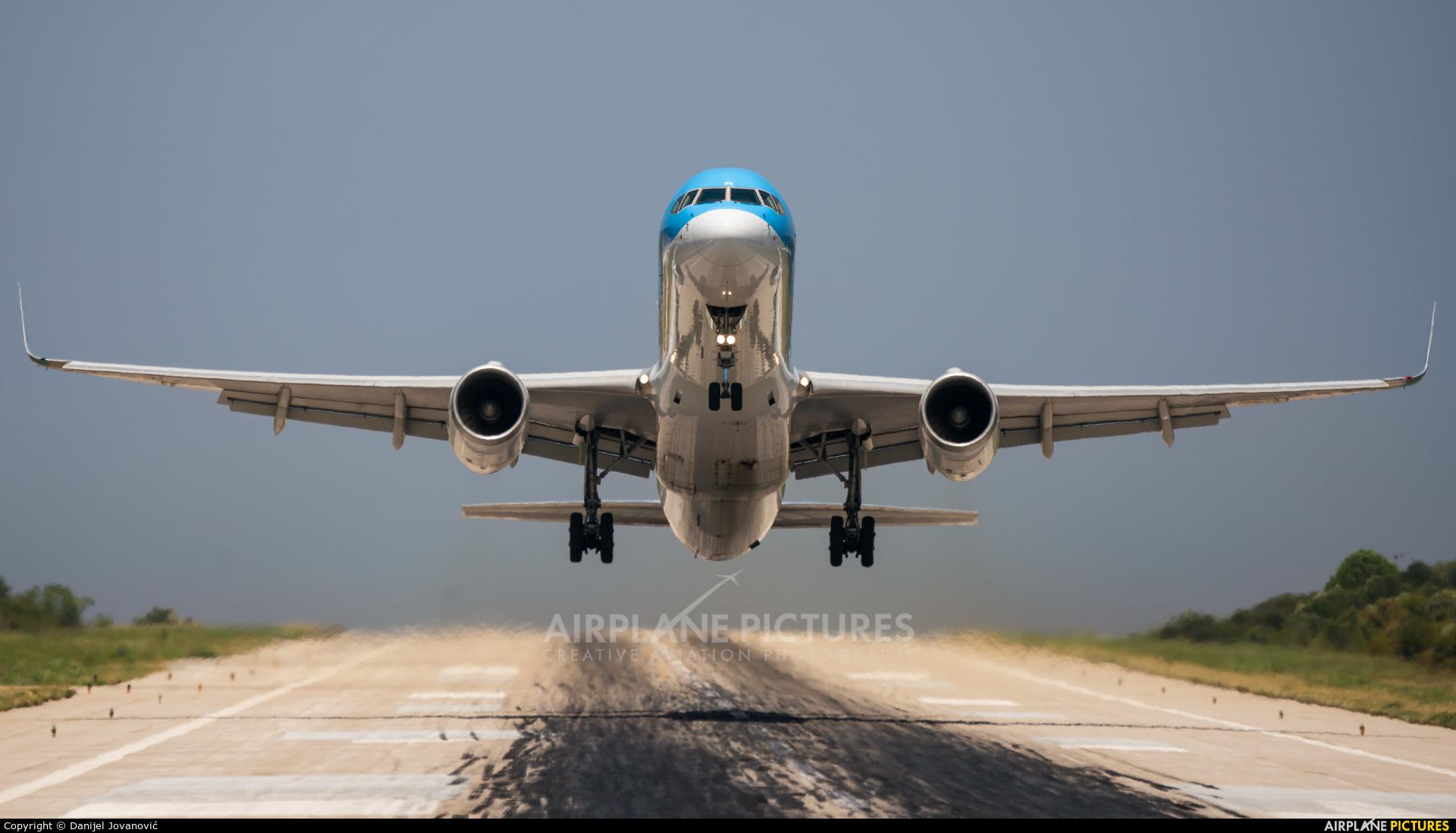Thomson/Thomsonfly G-OOBN aircraft at Skiathos