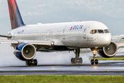 N6716C - Delta Air Lines Boeing 757-200 aircraft