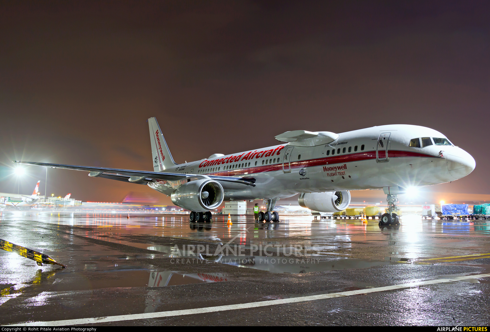 Honeywell Aviation Services N757HW aircraft at Mumbai - Chhatrapati Shivaji Intl