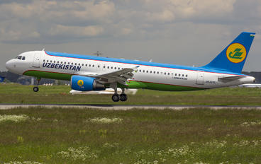 UK-32017 - Uzbekistan Airways Airbus A320