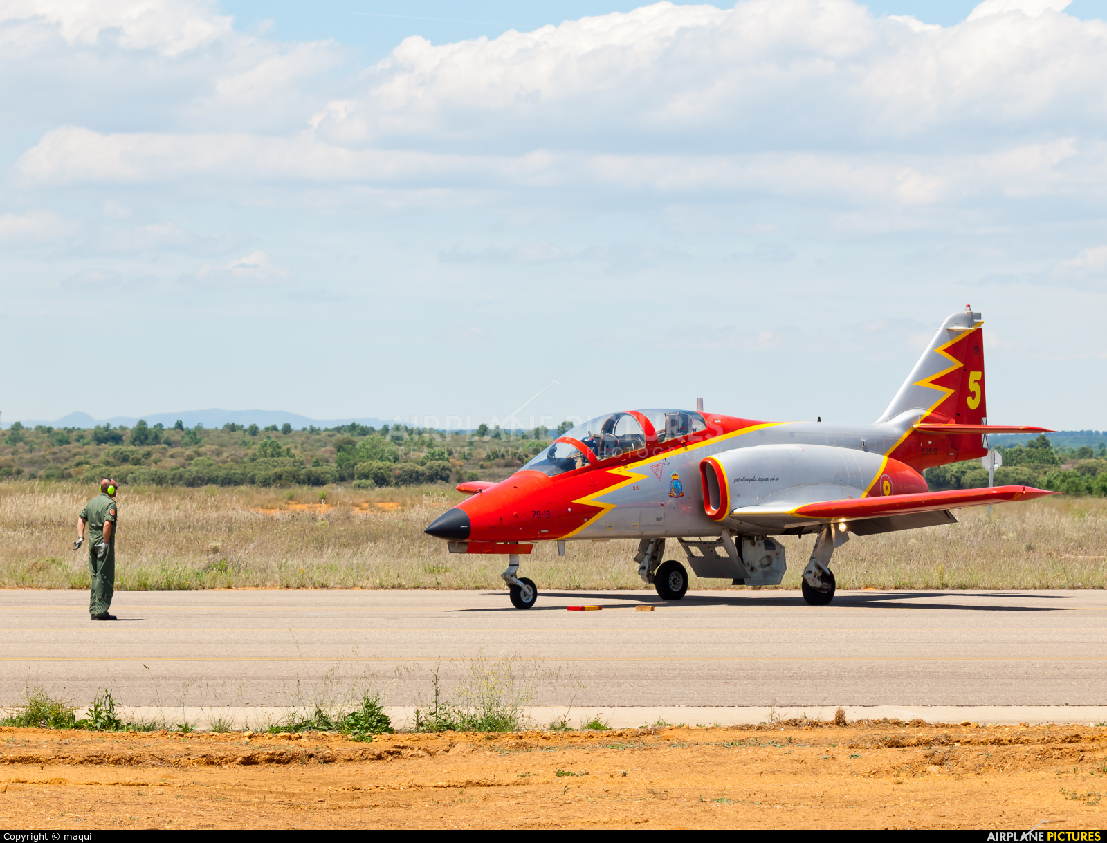 Spain - Air Force : Patrulla Aguila E.25-13 aircraft at León