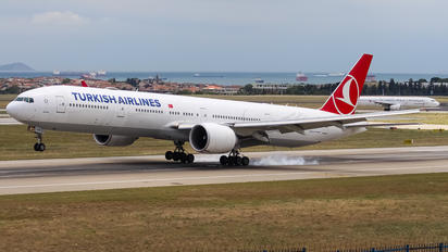 TC-JJS - Turkish Airlines Boeing 777-300ER