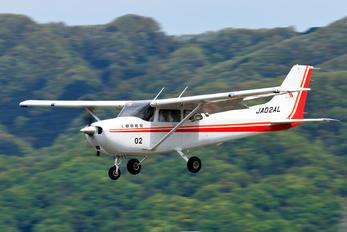 JA02AL - Asahi Airlines Cessna 172 Skyhawk (all models except RG)