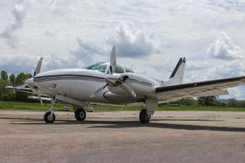 2-PROP - Private Beechcraft 58 Baron