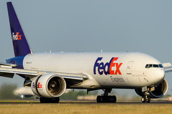 N883FD - FedEx Federal Express Boeing 777F