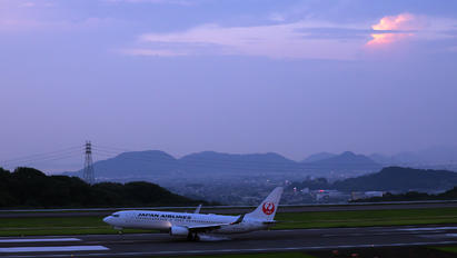 JA311J - JAL - Japan Airlines - Airport Overview - Aircraft Detail