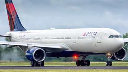 N831NW - Delta Air Lines Airbus A330-300