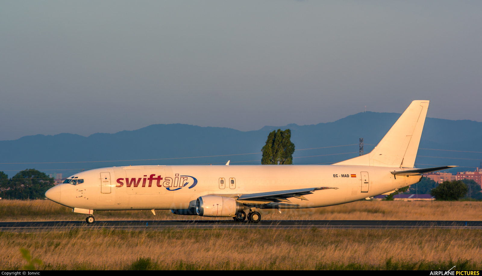 Swiftair EC-MAD aircraft at Vitoria