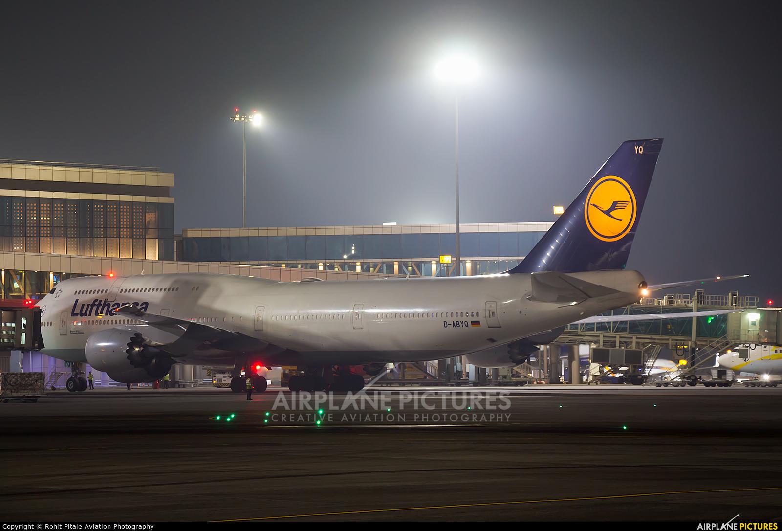 Lufthansa D-ABYQ aircraft at Mumbai - Chhatrapati Shivaji Intl