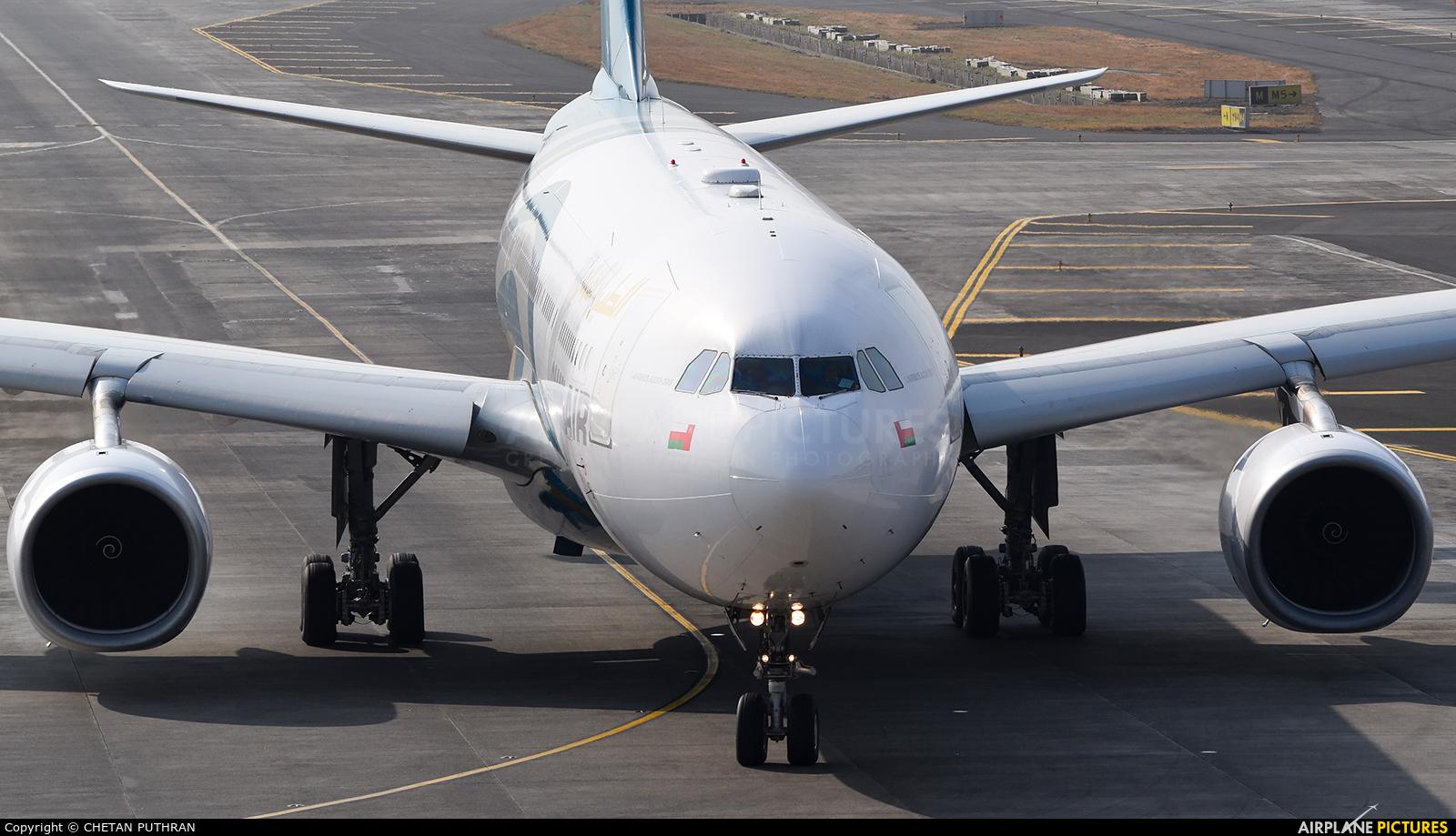 Oman Air A40-DF aircraft at Mumbai - Chhatrapati Shivaji Intl