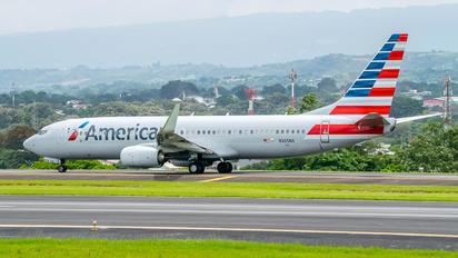 N305NX - American Airlines Boeing 737-800
