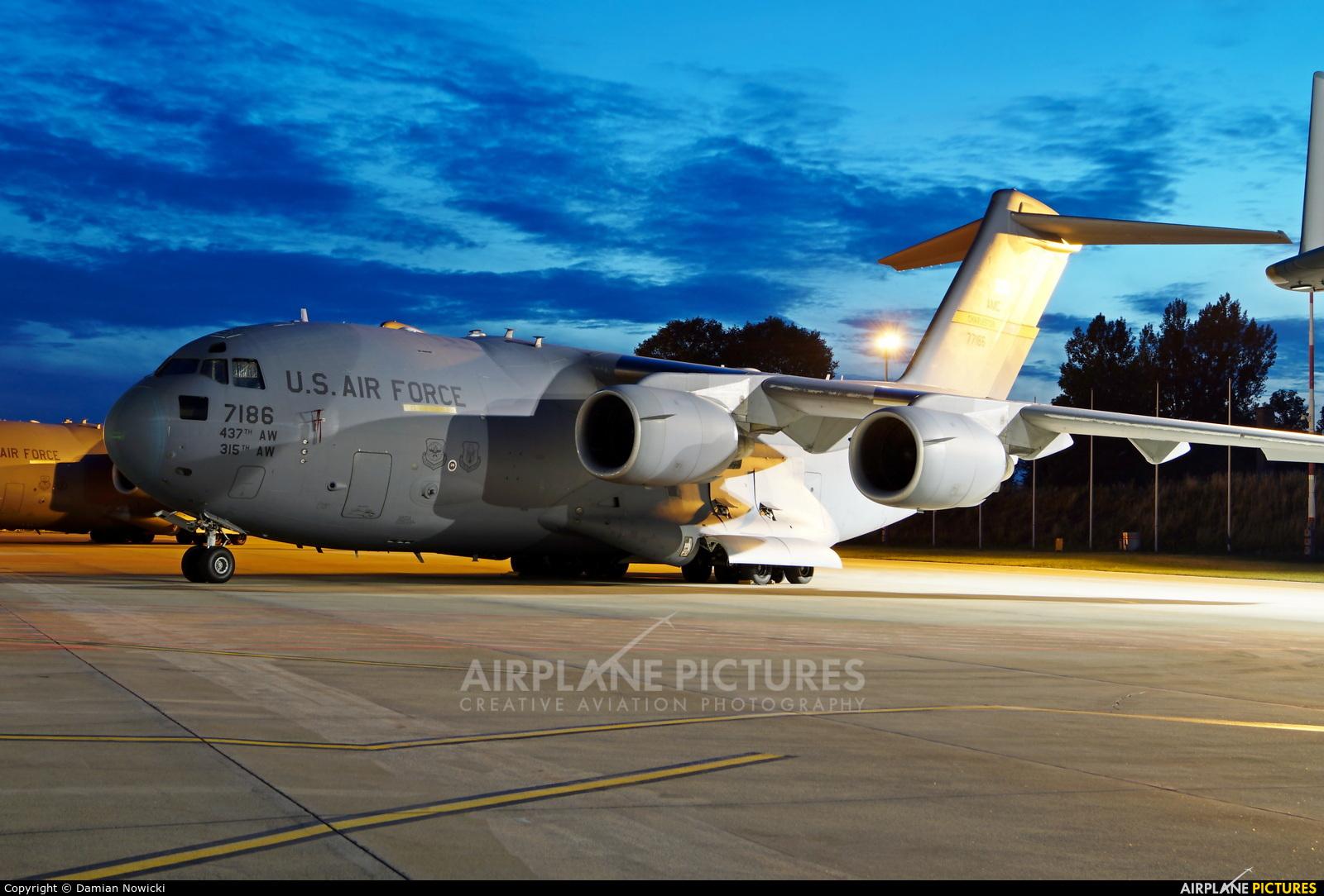USA - Air Force 77186 aircraft at Wrocław - Copernicus