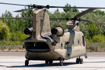 13-08140 - USA - Navy Boeing CH-47F Chinook