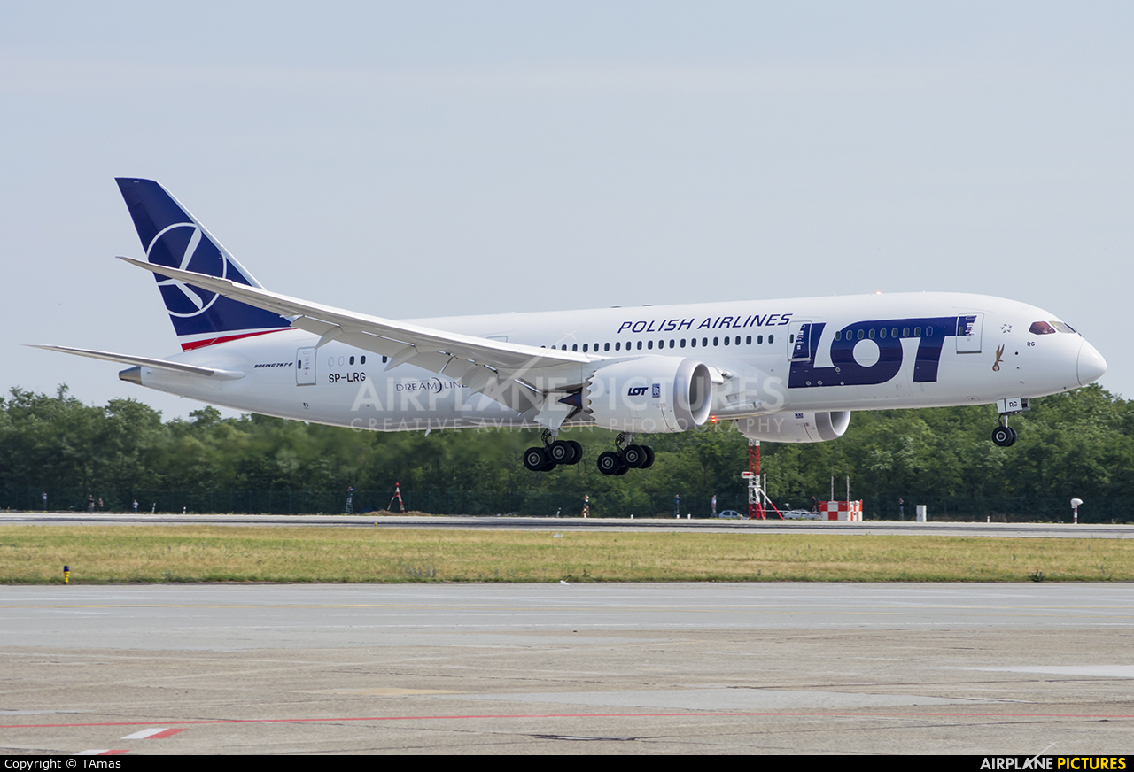 LOT - Polish Airlines SP-LRG aircraft at Budapest Ferenc Liszt International Airport