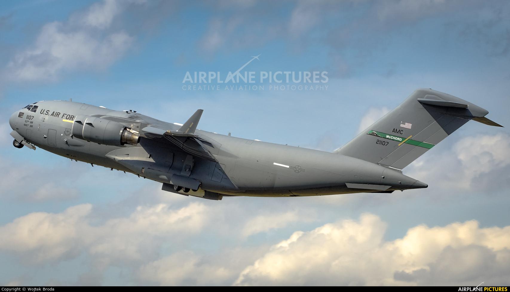USA - Air Force 02-1107 aircraft at Wrocław - Copernicus