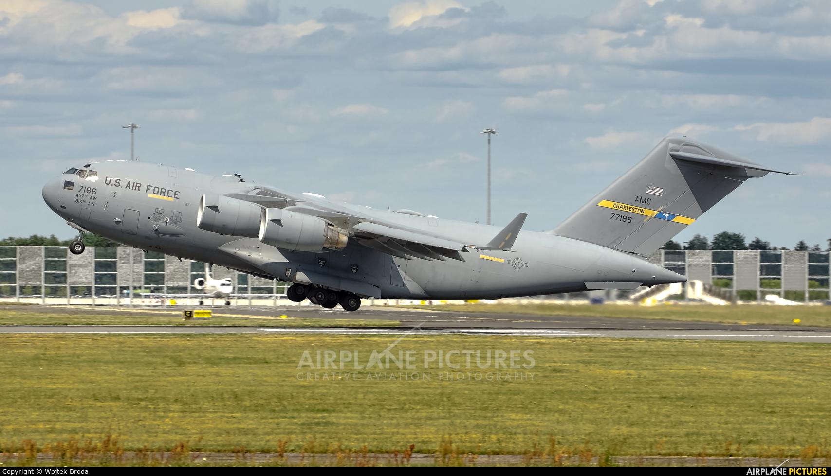 USA - Air Force 07-7186 aircraft at Wrocław - Copernicus