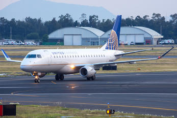 N86309 - United Express Embraer ERJ-175 (170-200)
