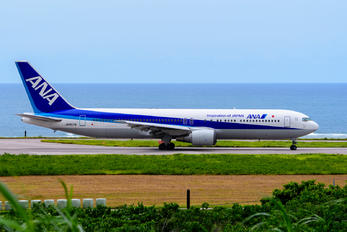 JA8579 - ANA - All Nippon Airways Boeing 767-300