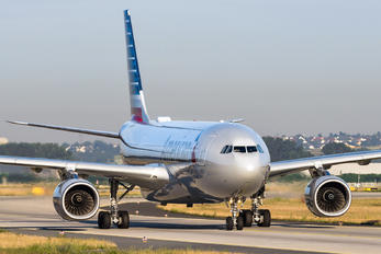 N286AY - American Airlines Airbus A330-200