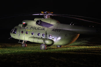 A017 - Poland - Police Mil Mi-8T